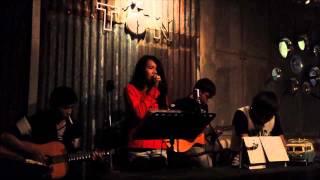 Tôn Cafe - Trăng Dưới Chân Mình  (Acoustic Cover)