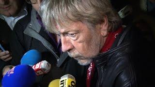 Le chanteur Renaud place de la République: