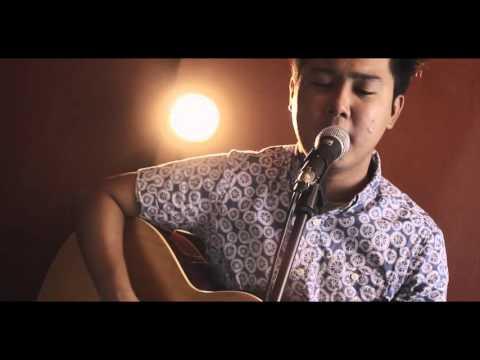 Halik - Kamikazee (Acoustic Cover By Remarks Feat. Jeloi Pedronan)