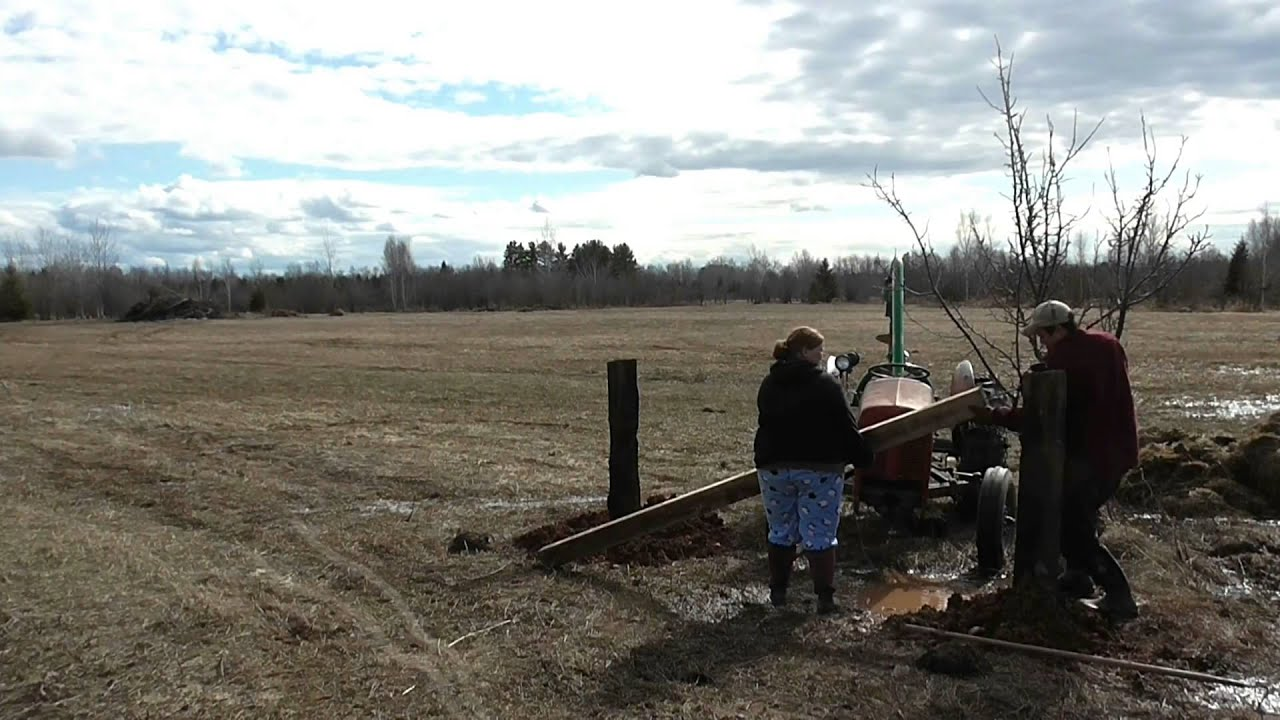 Setting an H-brace corner for High Tensile fence wire. - YouTube