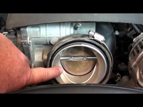 """Pt.1 2007 Chevy 2500HD """"Reduced Engine Power"""" Warning & Fault Code P1516 Repair @ D-Ray's Shop"""