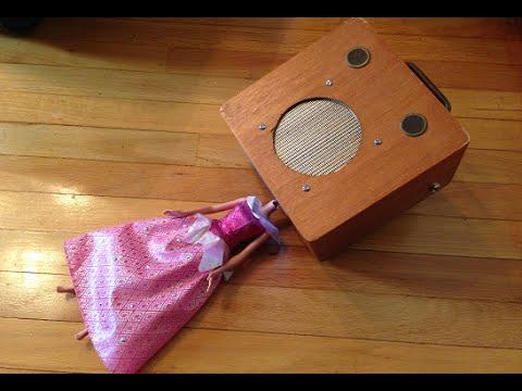 '50s Record Player - Cigar Box Tube Guitar Amp Robot Conversion