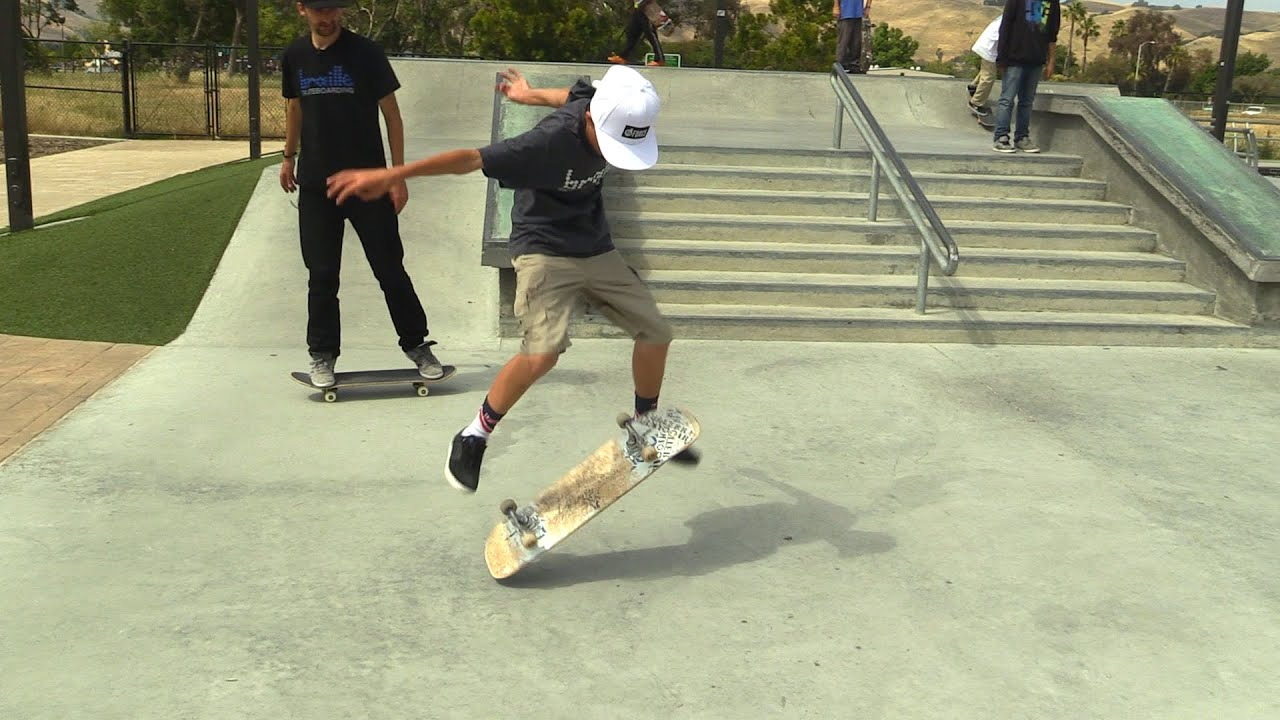 LANDING YOUR FIRST KICKFLIP Braille Skateboarding