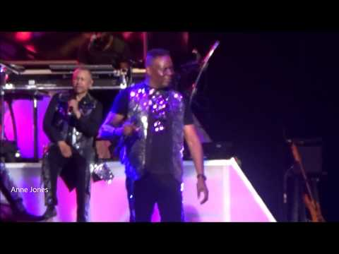 Earth, Wind & Fire - After The Love Has Gone  (LIVE 7/27/18)