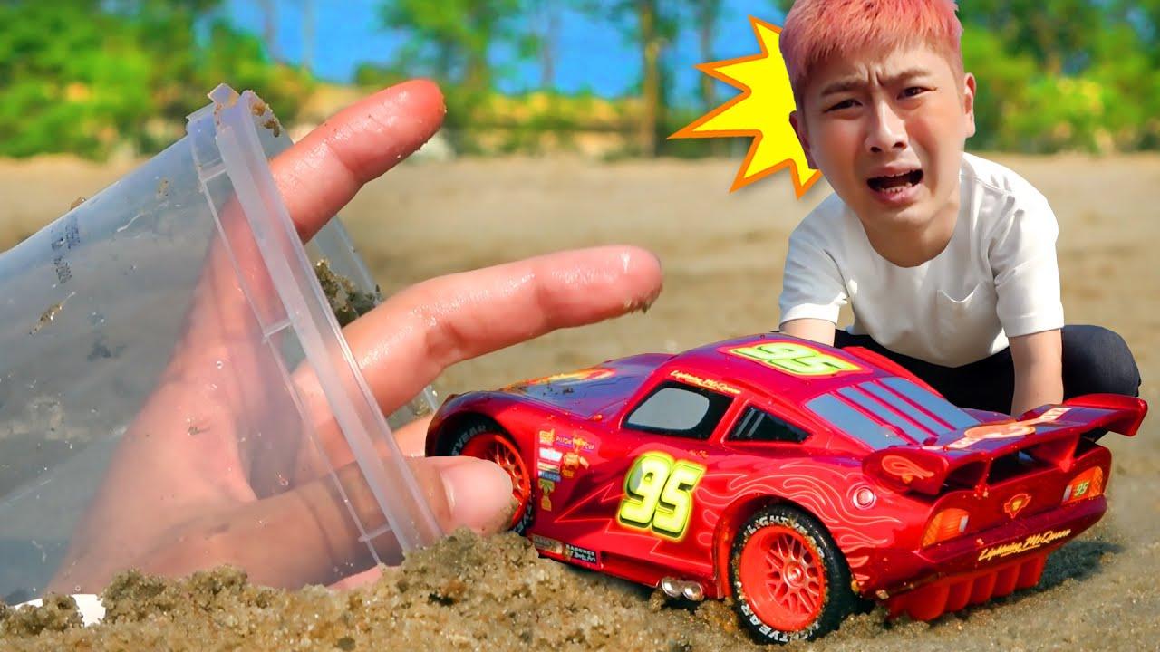 Scary fingers steal kangi's cars!│무서운 손은 강이의 자동차를 뺏어갔어요!│Truck Car Toy Rescue Play│럭키강이 LuckyKangi