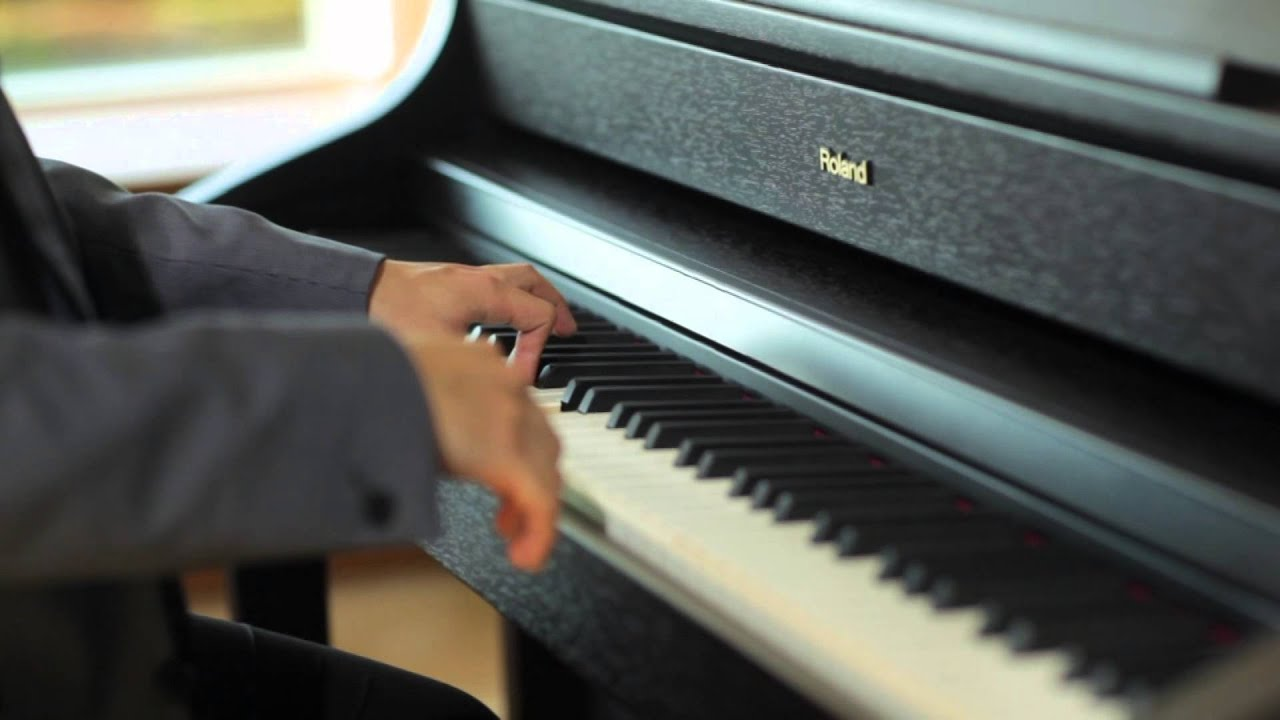 HP508 Digital Piano: Roman nepi tancok (Béla Bartók) Performed by .