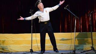 "Дед танцует ""Яблочко"" в 69 лет / Grandfather dancing ""Yablochko"" at 69 years old"