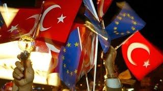 European Parliament votes to suspend Turkey membership talks