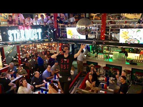 Ellen's Stardust Diner Performances | Times Square - New York City