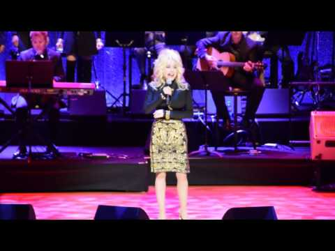 "Dolly Parton Sings ""Dumb Blonde"" at Country Music Hall of Fame"