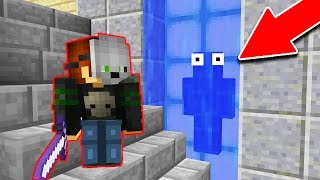 I CAN'T BELIEVE HE DIDN'T SEE ME.. (Minecraft Trolling)