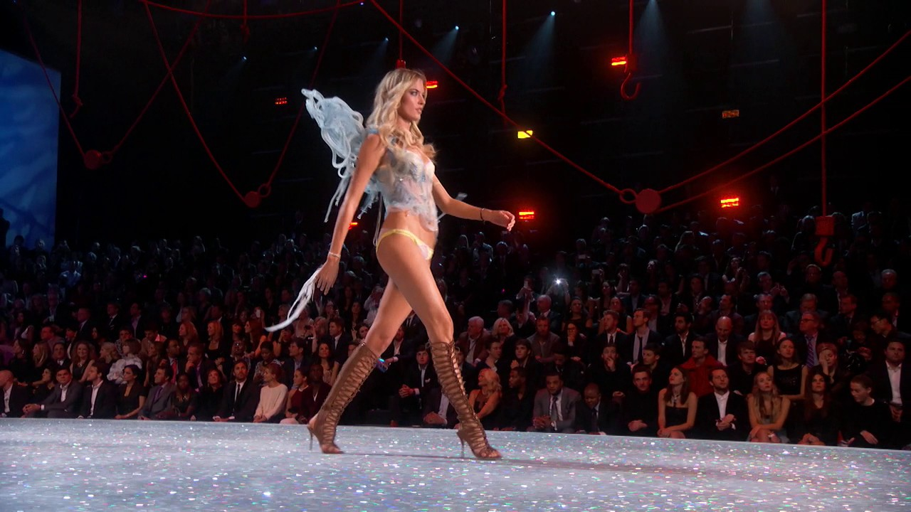 The 2016 Victoria's Secret Fashion Show: Martha Hunt's Road to the Runway