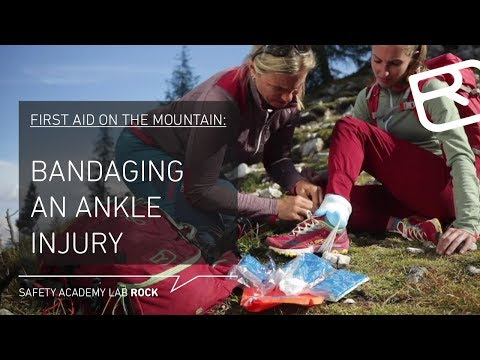 Bandaging for a sprain or torn ligament in the mountains - Tutorial