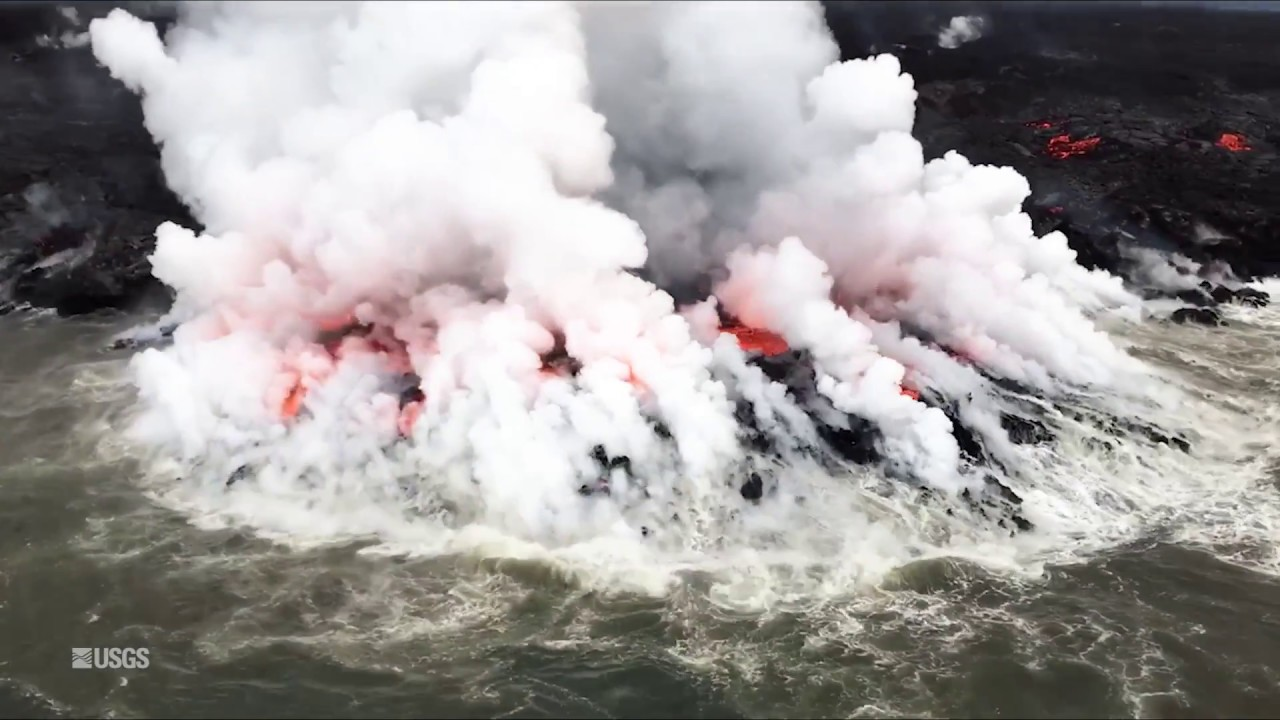 Kīlauea Volcano — Fissure 8 Flow: From Vent to Sea