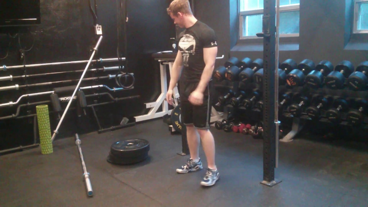 Funny Video: Weightlifting Squat Fail