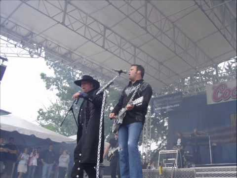 Montgomery Gentry - While The World Goes Down The Drain