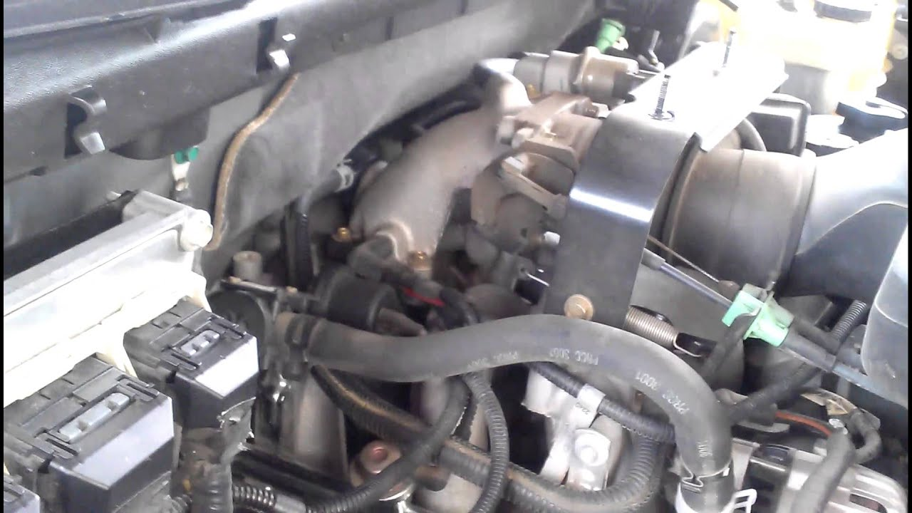03 Ford Expedition 46L PCV hose bad  YouTube
