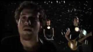 Смотреть клип Metronomy - Trick Or Treatz