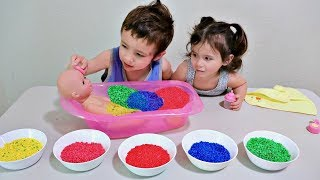 Baby and Colour Bath, Toddlers Learn Colors with Finger Family Colours Nursery For Little Babies