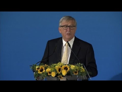 EU's Juncker vows 'no backsliding' on Paris deal