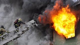 Пожар в Солоницевке (парень спасает ребёнка) 15.10.2015