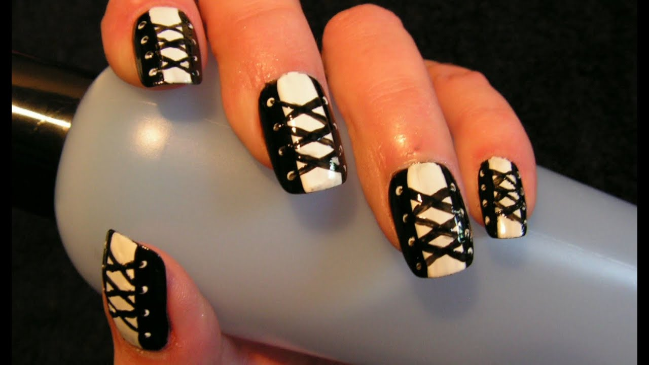 tuto nail art personnaliser ses ongles soit m me facilement youtube. Black Bedroom Furniture Sets. Home Design Ideas