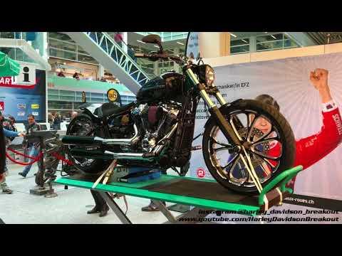 Harley-Davidson Breakout Different Custom