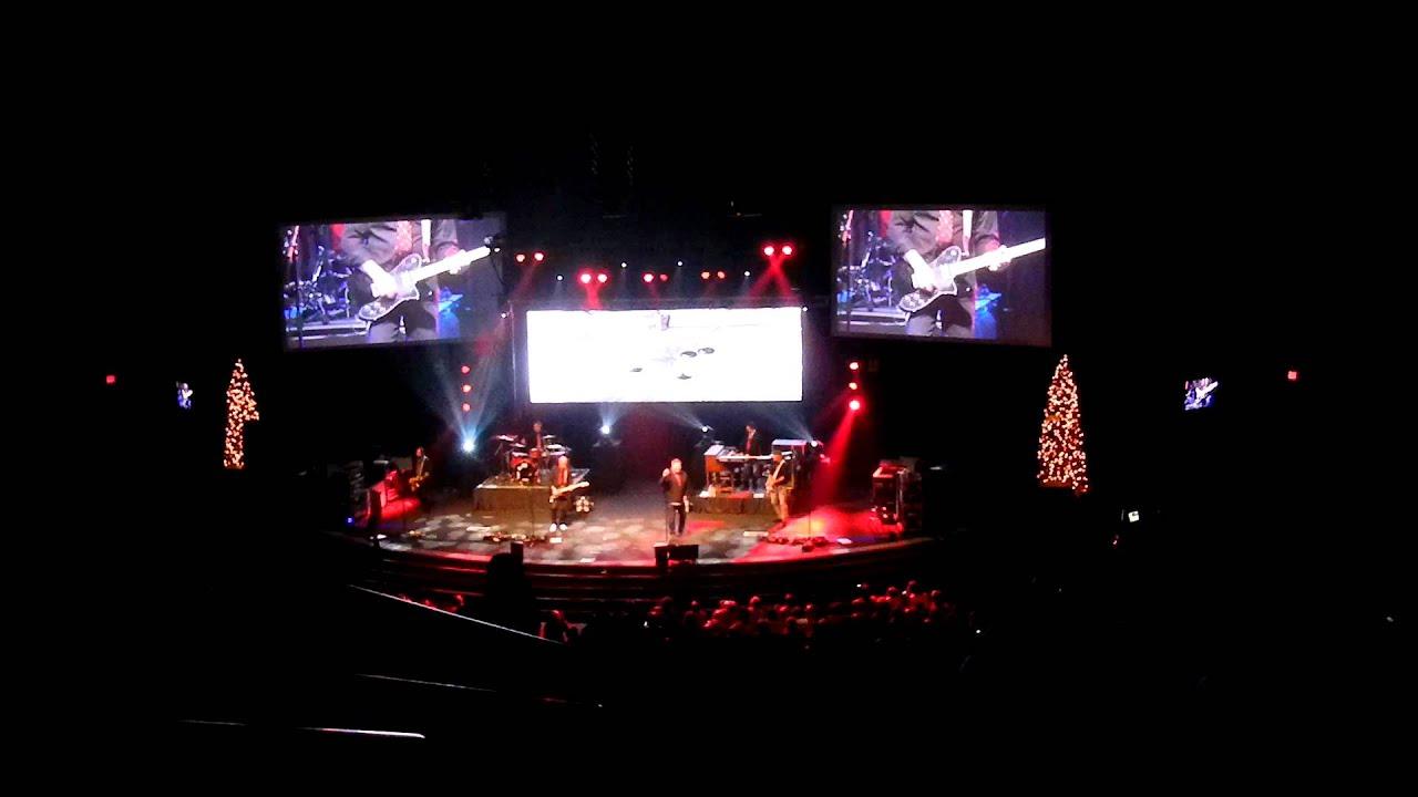 Rockin Around The Christmas Tree (live)