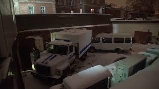 Полиция забросала журналистов снежками