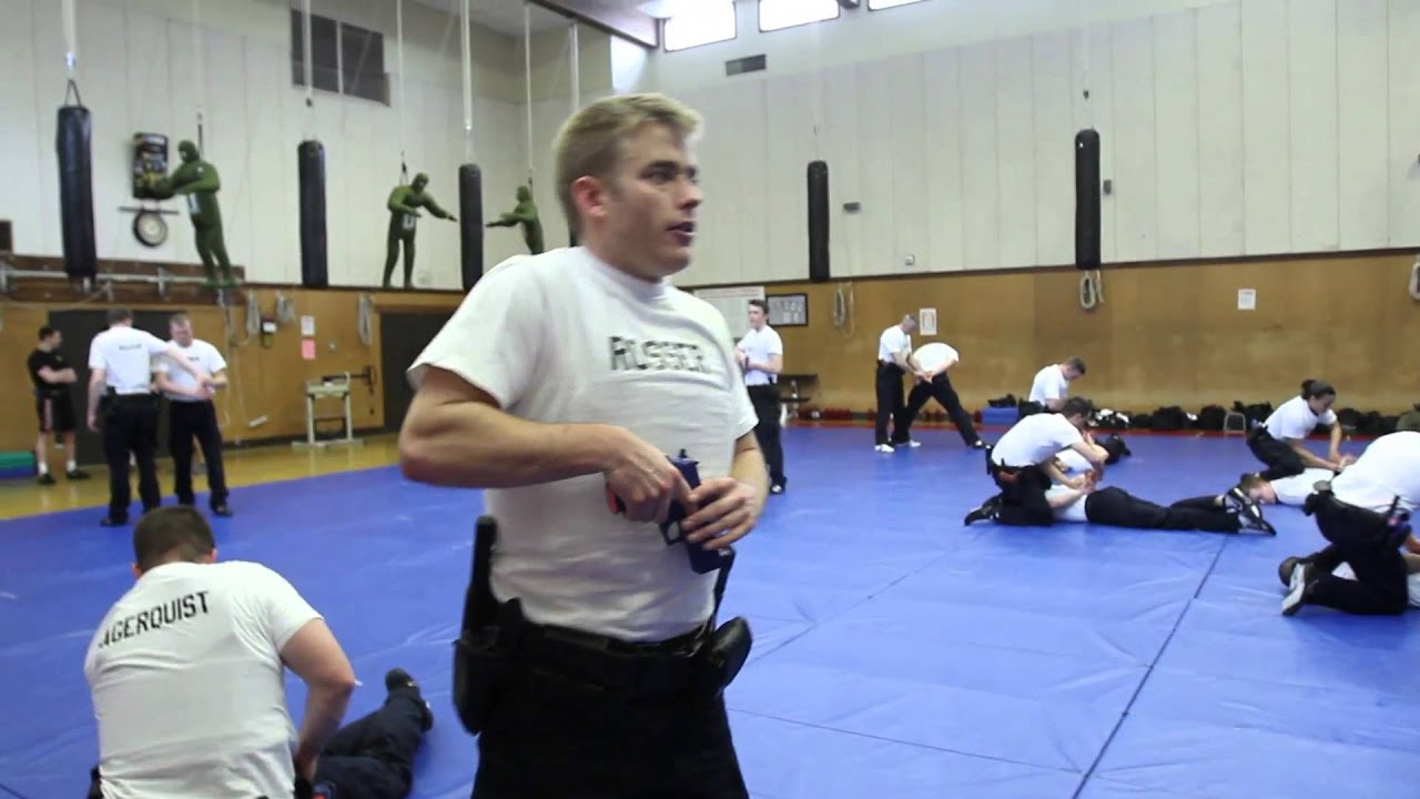 Police academy: Basic training - YouTube