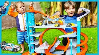 NEW HOT WHEELS Ultimate Garage Playset with SHARK ATTACK!