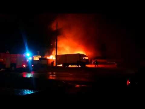 Минск: возгорание на складе, повреждены три авто