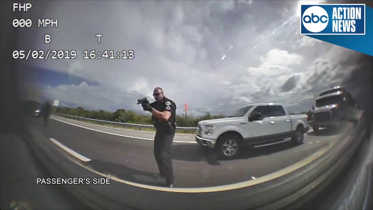 LARGO, FLORIDA: WHITE MAN STEALS POLICE CAR