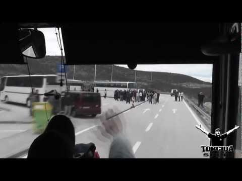 """Torcida Split :: Dinamo - Hajduk  ( INVAZIJA NA ZAGREB 2011 )   """""""