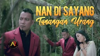 Download lagu ANDRA RESPATI & ENO VIOLA - Nan Di Sayang Tunangan Urang [ Official Music Video ]