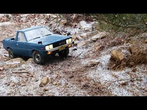 Hyundai Pony Pickup Off Roading