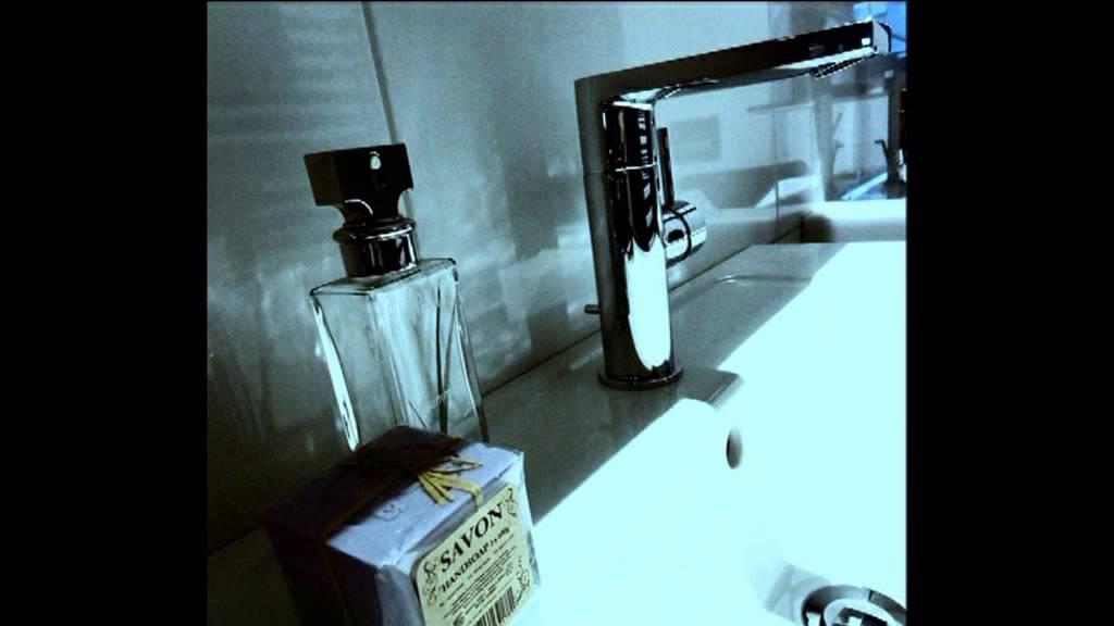Kranen in de showroom van Weshuis Badkamers uit Rijssen - YouTube