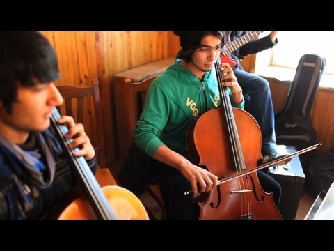 M sica cl ssica no afeganist o youtube for Musica classica