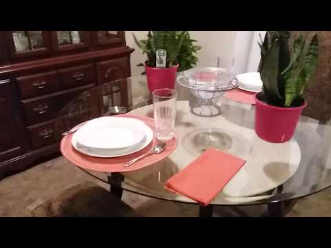plants-for-dining-table-|-everyday-tablescape-|-simple-dining-table-centerpiece-ideas