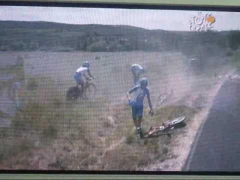 Chute impréssionnante Bbox Bouygues Telecom Tour de France 2009