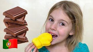 História sobre doces e balas prejudiciais Children Song with Five Kids
