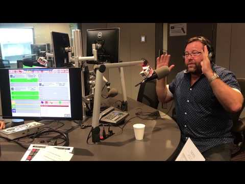 Shane Jacobson tells the funniest joke ever