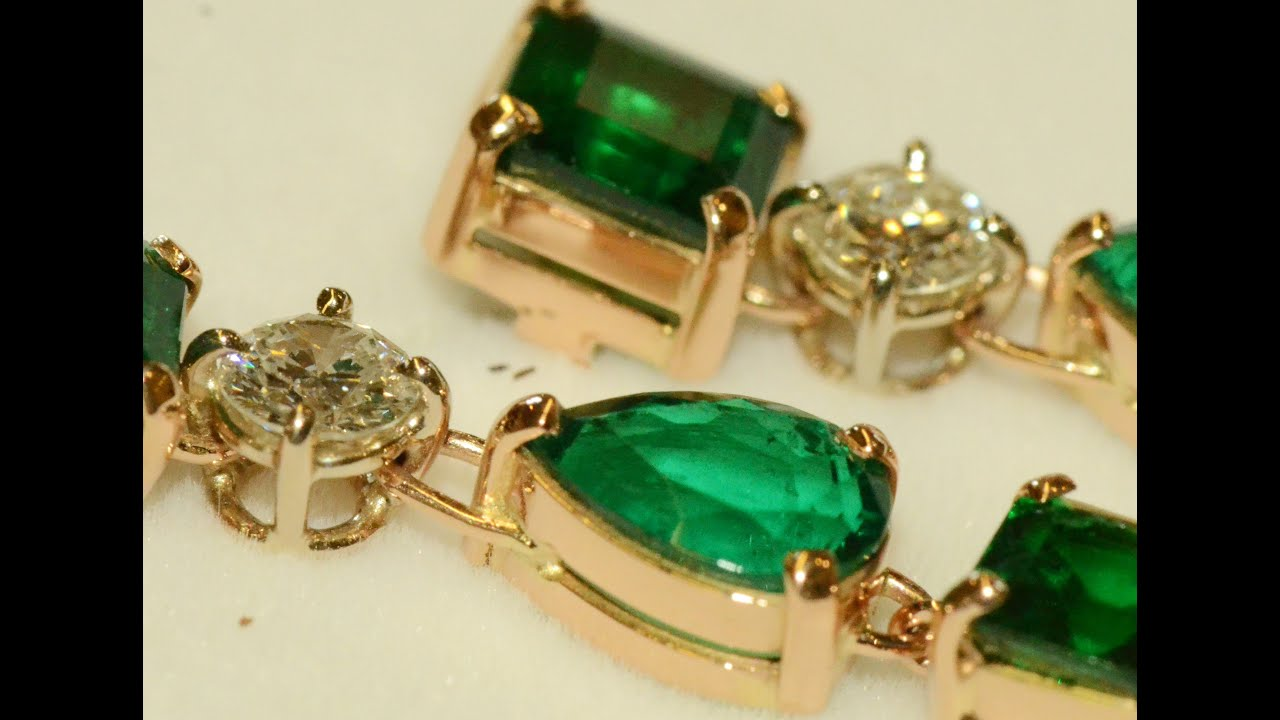 gold emeralds emerald featuring k stud clustered mg jewellery white earrings