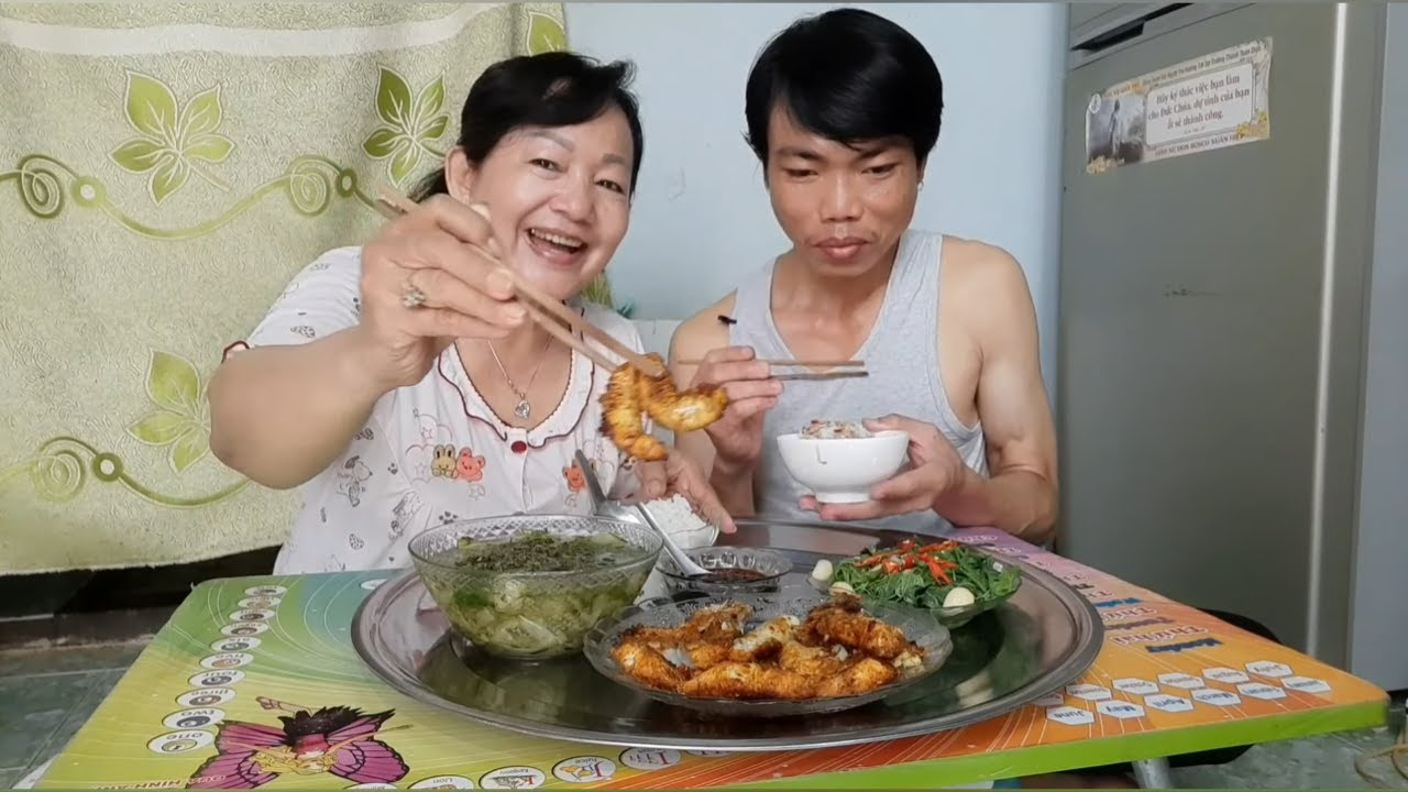 Vợ Chồng Tuấn Oanh Với Bữa Cơm Gia Đình Và Ân Đức Thầy Thích Thiện Chiếu Chùa Kỳ Quan