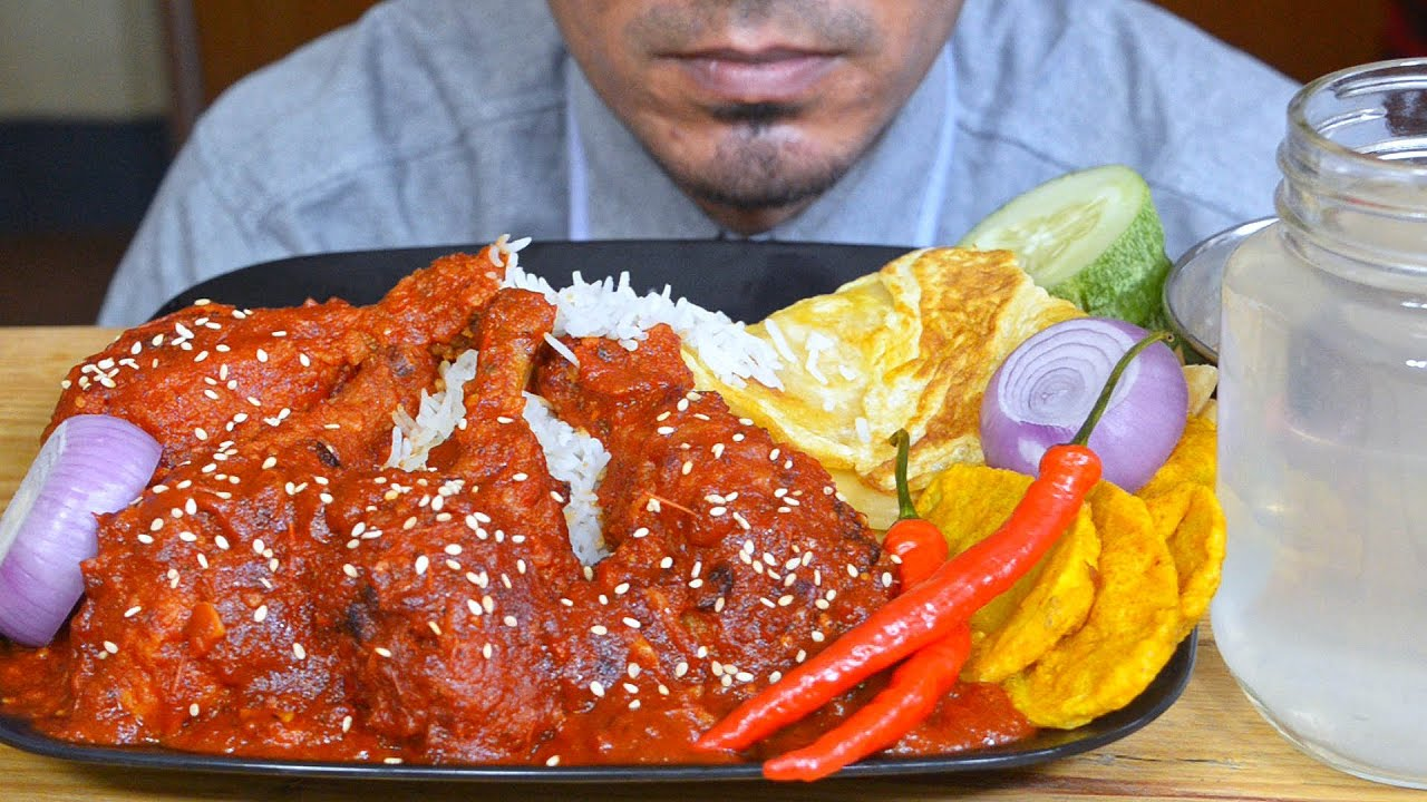 ASMR : Eating Spicy Schezwan Chicken, Egg Paratha, Long Rice, Onion,  Red Chili - Mukbang Eating