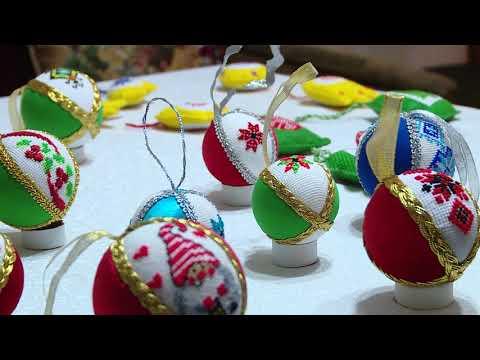 Телеканал TV5: Запорізька майстриня виготовляє новорічні іграшки з елементами вишивки