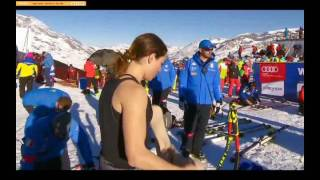 Woman  Skier Hot Moment(, 2016-12-17T17:25:16.000Z)