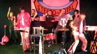 Stereototal - Wir Tanzen Im 4-Eck live@Karemaski (Arezzo-IT)
