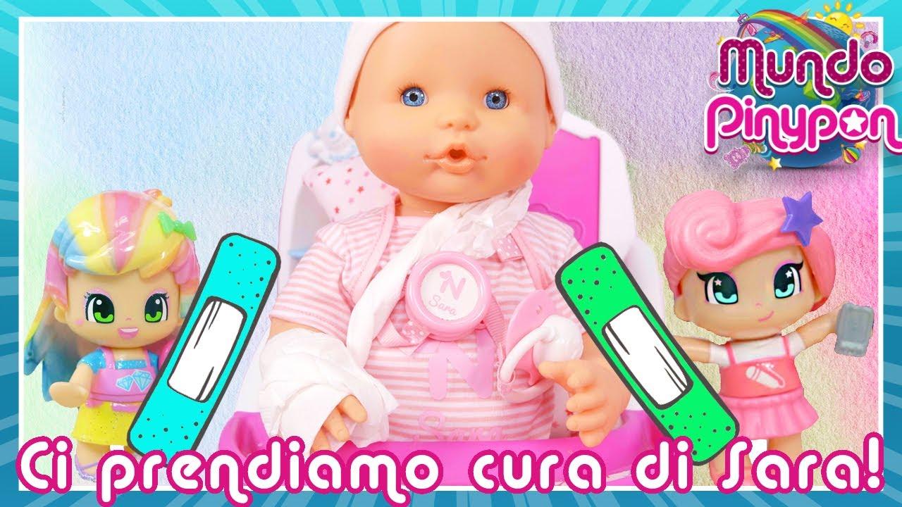 Le baby sitter Pinypon si prendono cura della Nenuco Sara 💊😭 Si è fatta male a un braccio!