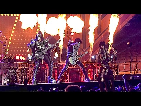 KISS live DCU Center Worcester Massachusetts 09/03/2016